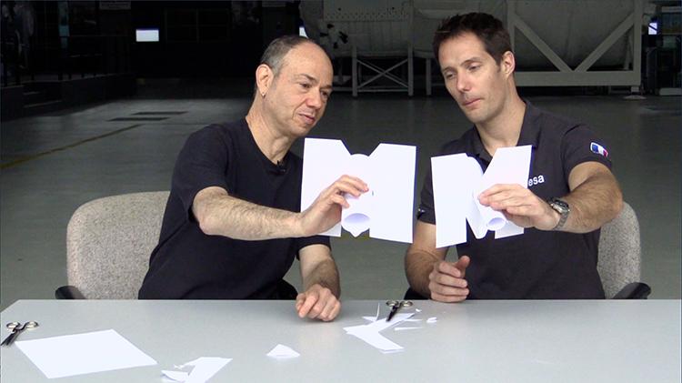 Eduardo Kac et Thomas Pesquet © Virgile Novarina / ESA / CNES
