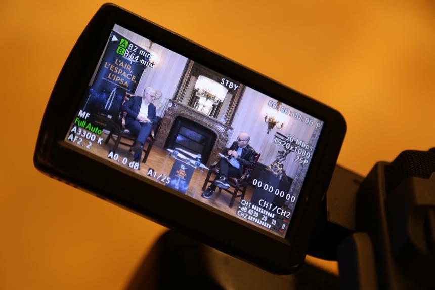 """Retour vidéon sur le lancement du livre """"Le futur de l'avion"""" avec Francis Pollet, directeur général de l'IPSA, et le journaliste Frédéric Beniada"""