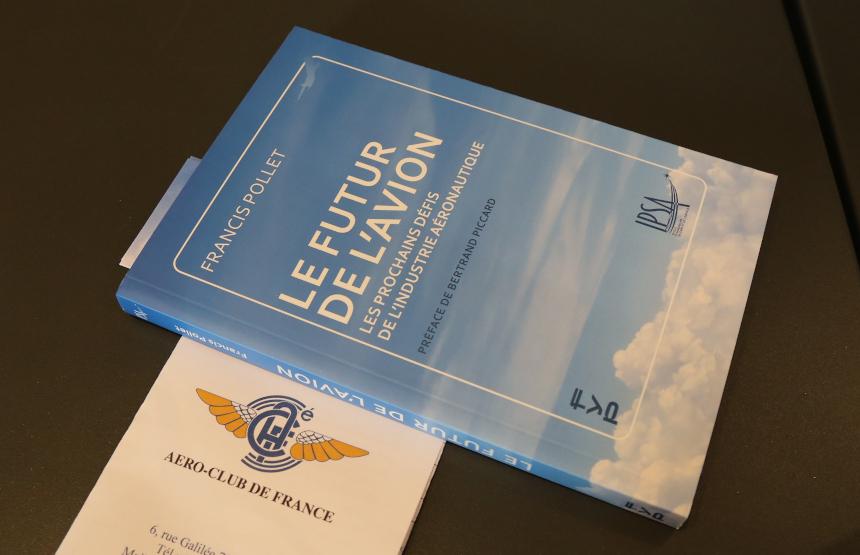 """Retour vidéo sur le lancement du livre """"Le futur de l'avion"""" avec Francis Pollet, directeur général de l'IPSA, et le journaliste Frédéric Beniada"""